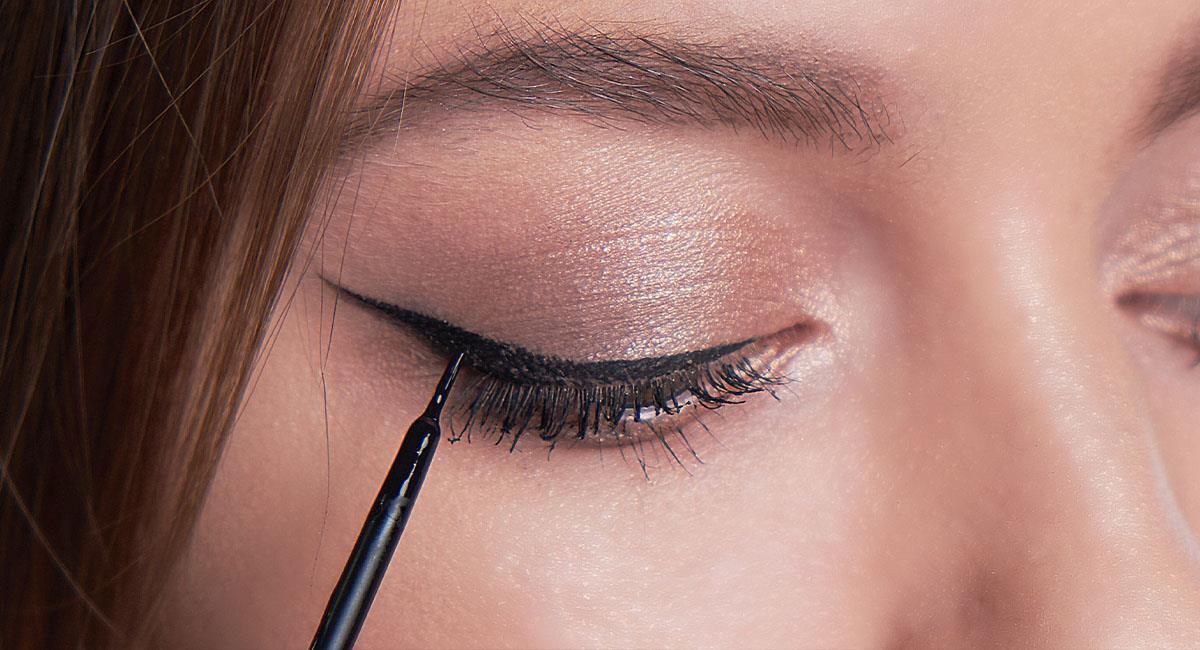 Cómo hacerte un delineado cat eye perfecto. Foto: Shutterstock
